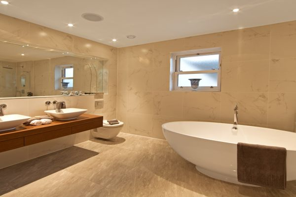 Gerrards Gate luxury bathroom